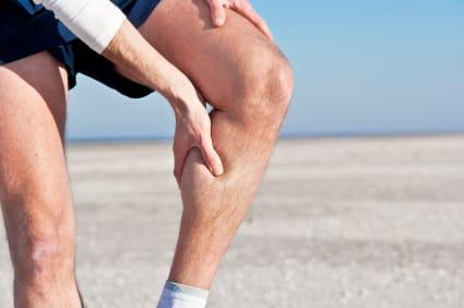 Τί προκαλεί τους πόνους στα πόδια
