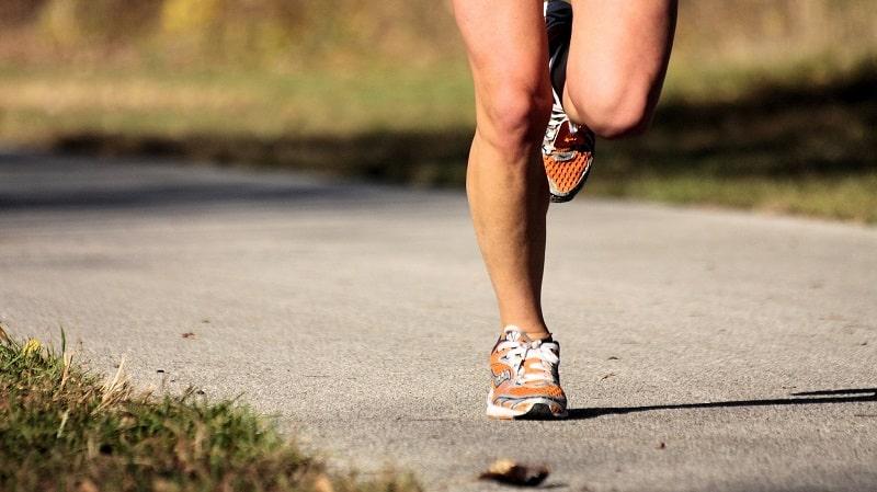 Ασκήσεις ενδυνάμωσης των μυών γύρω από την άρθρωση του γόνατος