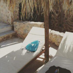Ώρες ξεκούρασης για τον Mr Wilson του Santorini Experience