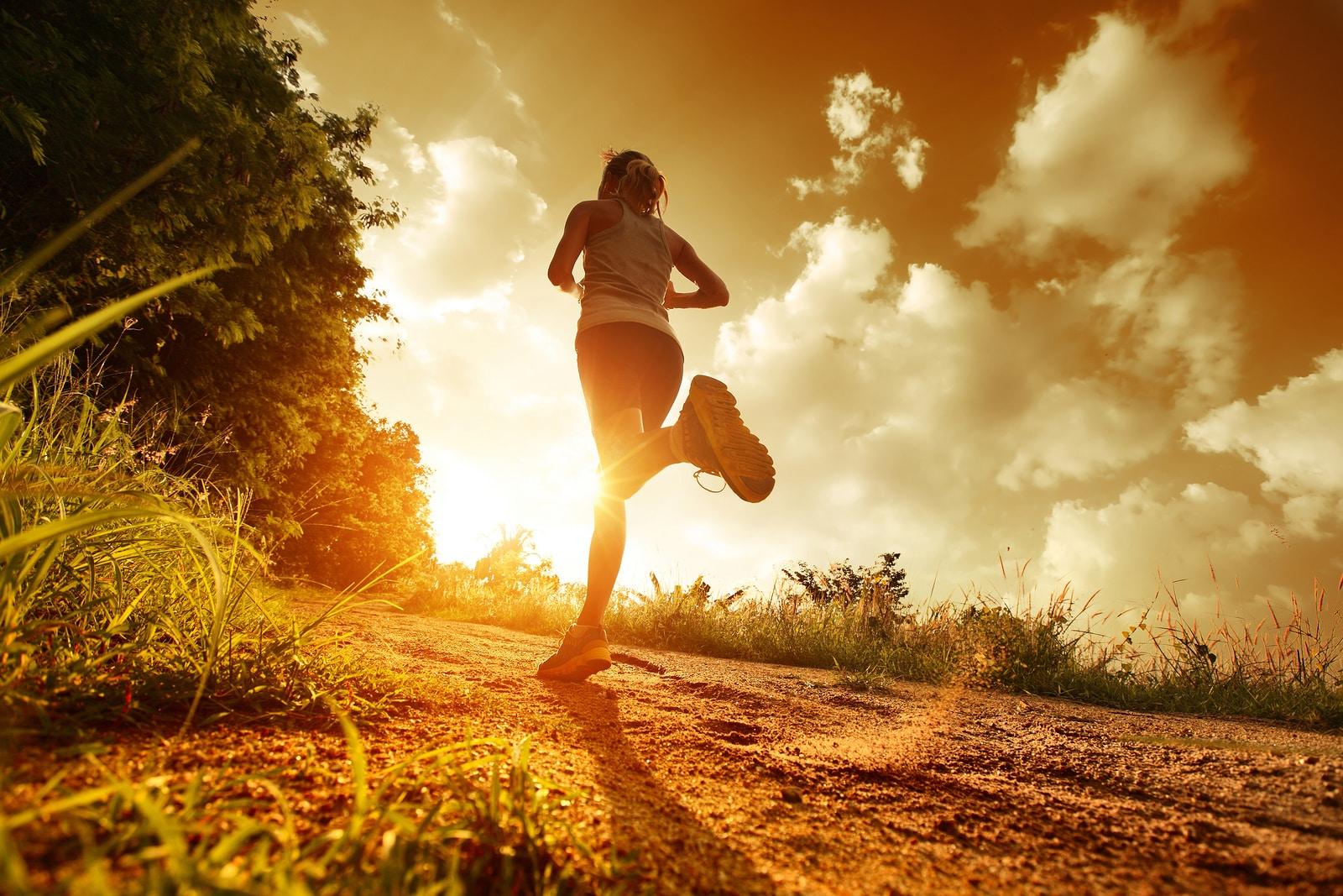 woman runner sun