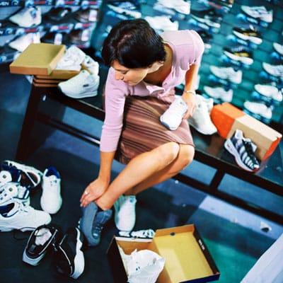 running-shoes-shopping-400x400