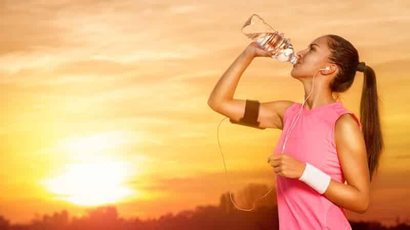 Πόσο νερό πρέπει να πίνεις