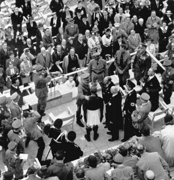 Η στιγμή της συνάντησης Λούη – Χίτλερ από… ψηλά