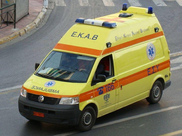 Ατύχημα στο Μαραθώνιο Κρήτης : Αυτοκίνητο παρέσυρε γυναίκα εθελοντή του αγώνα
